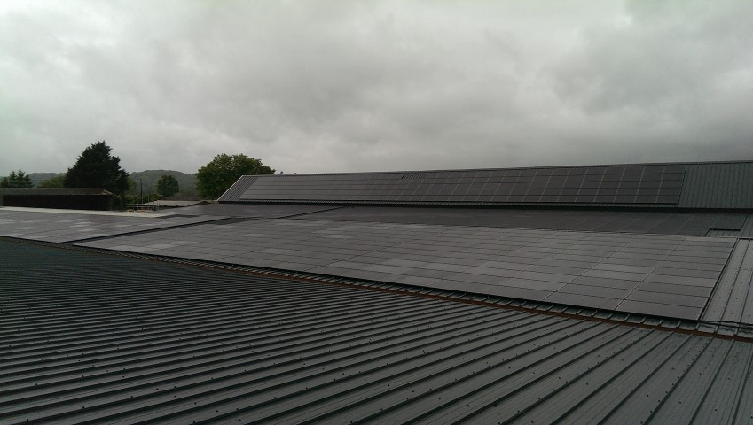 Read more about the article 250kW Roof Mounted PV